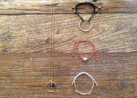 Armbänder und Ketten von AwareAffairs